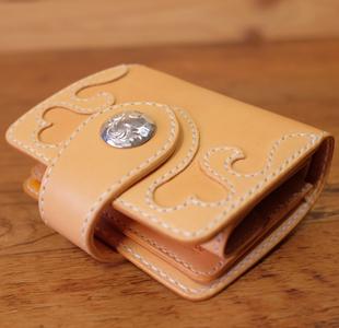 ハートの可愛いレディース革財布
