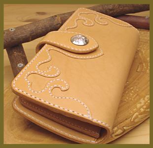 長財布(ハートの革財布)