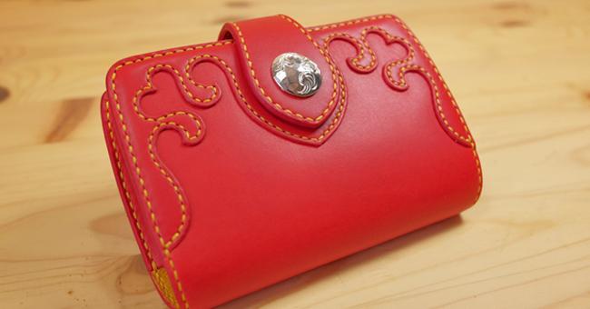 ハートの可愛い革財布